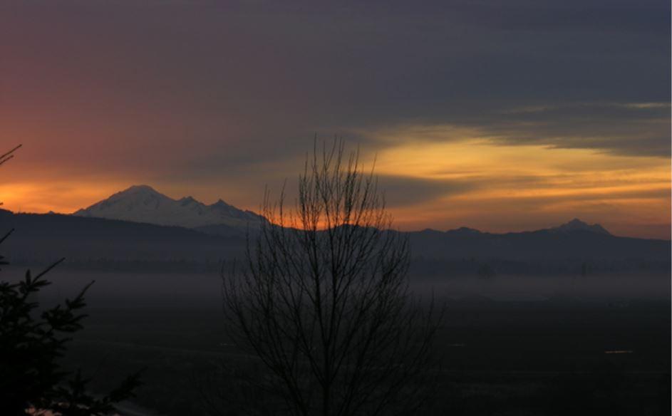 哈克帕山的日出