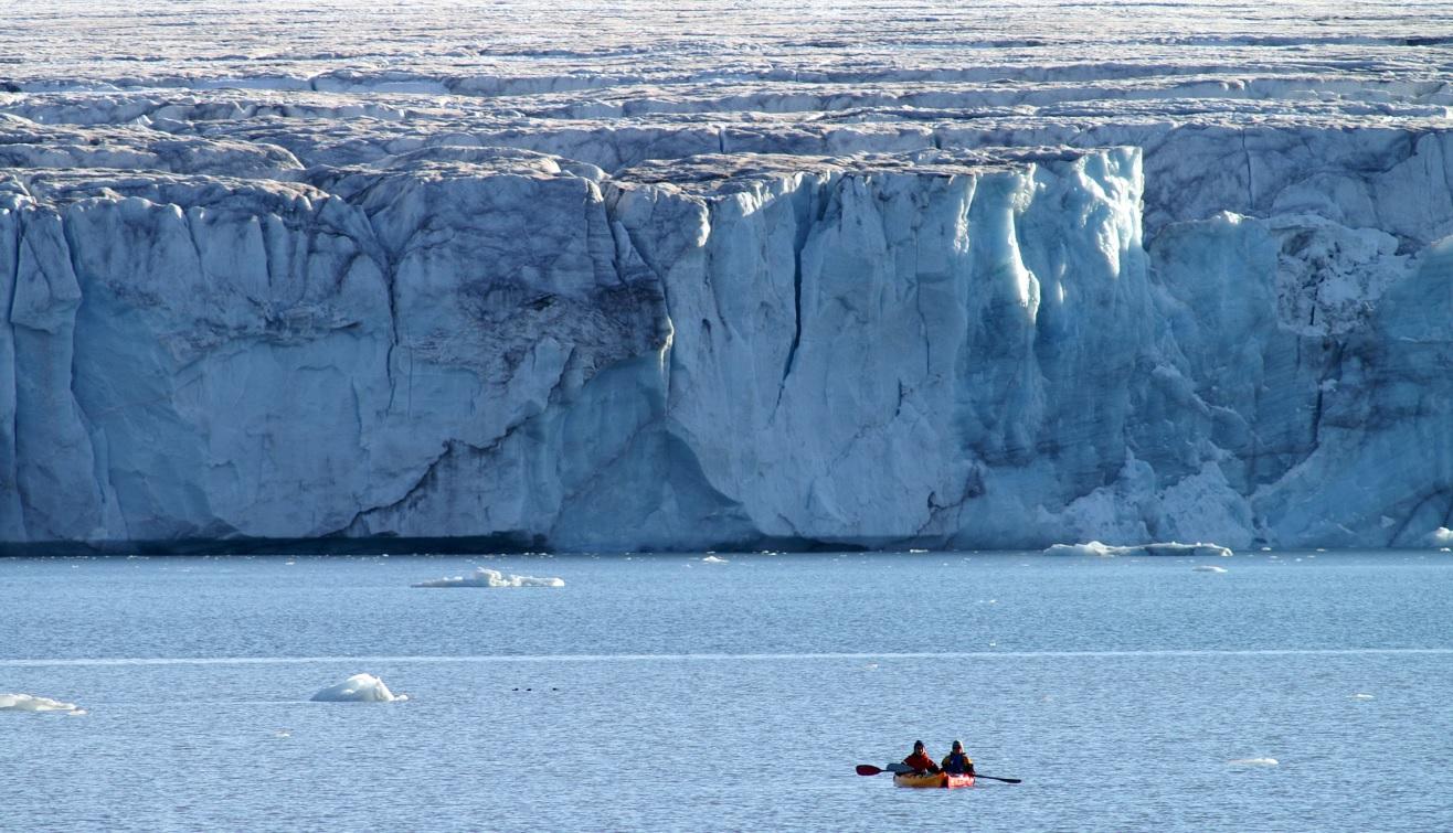 Kayak sul ghiacciaio