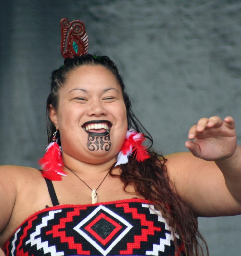 Una mujer maorí